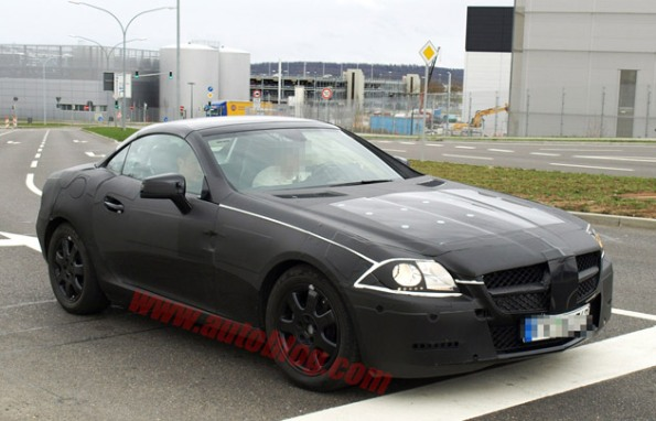 Spy Shots - 2012 Mercedes-Benz SLK caught training for Z4 fight